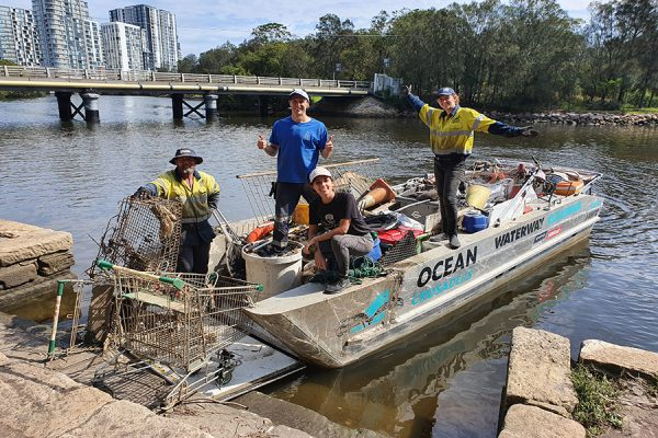 Cooks River clear-up collects tonnes of crap
