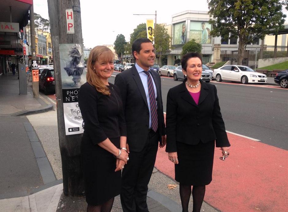Support gathers for removal of Oxford Street clearway
