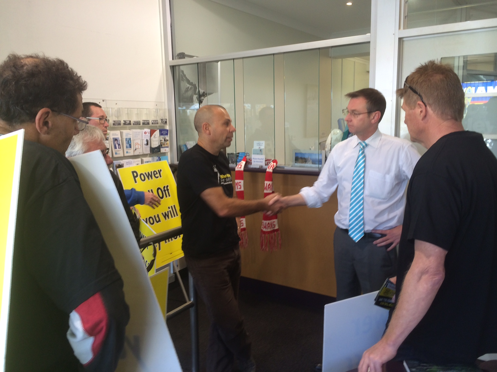 Coogee campaigns against electricity privatisation