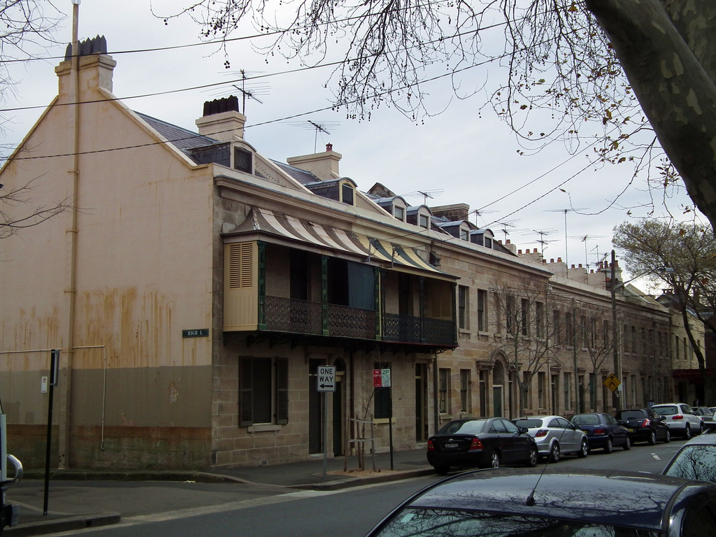 Govt forces Millers Point residents to fight over units