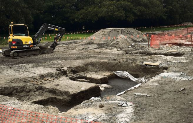 Calls to down tools for artefacts fall on deaf ears