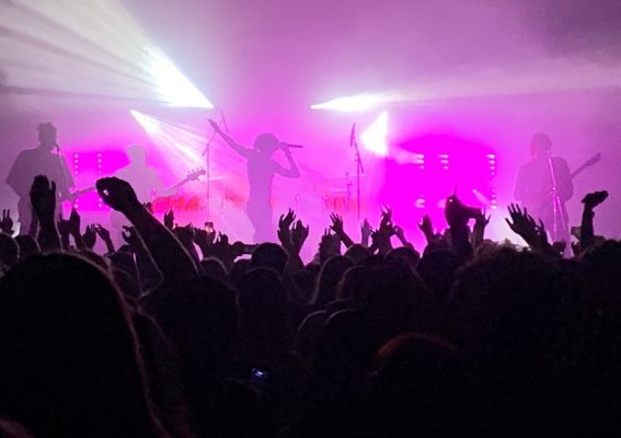 REVIEW: Chase Atlantic – Phases Concert