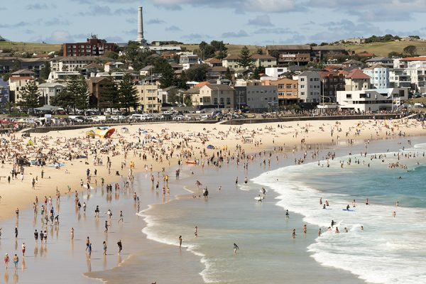Crowds force closure of Bondi Beach